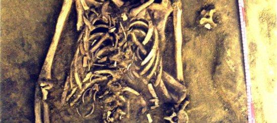 Descoperire cutremurătoare într-un MORMÂNT din Siberia. Ce au găsit înăuntru când au dat piatra la o parte 442