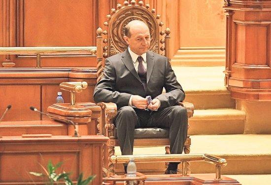 """The New York Times, despre regimul Băsescu: """"Se simţea pe străzi o DOMNIE LEGALĂ a TERORII"""" 442"""
