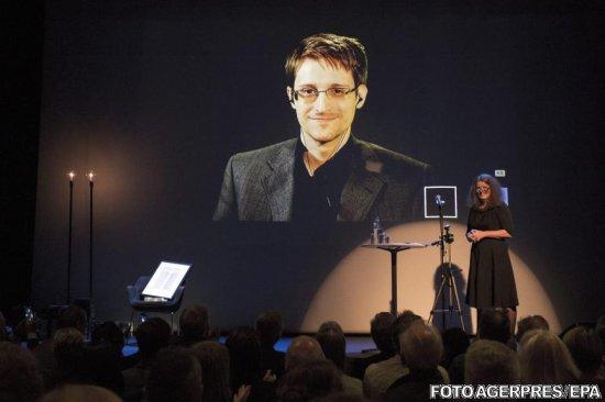 Edward Snowden explică de ce nu am interceptat mesaje de la extratereştri 817