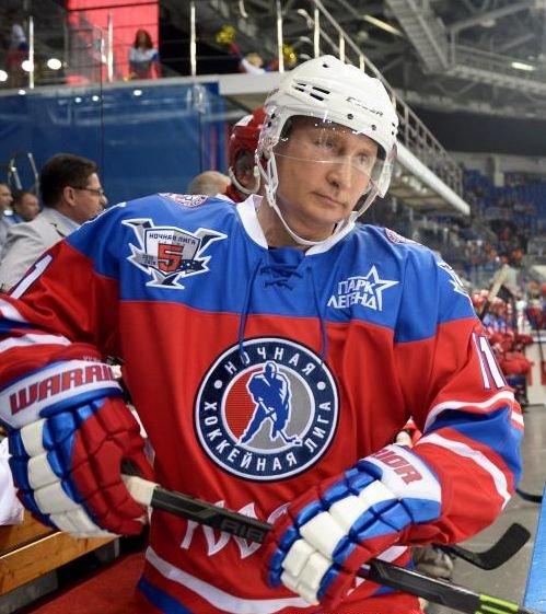 Cum a celebrat Vladimir Putin împlinirea a 63 de ani: A înscris şapte goluri! 482