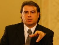 Cioroianu: ?Statul român îi va apăra pe românii oneşti din Italia?