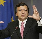 Barroso critică Roma pentru gestionarea problemei imigranţilor