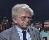 A murit jurnalistul Max Bănuş