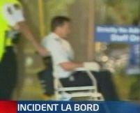 Noua Zeelandă. O pasageră a înjunghiat piloţii şi a ameninţat că va detona o bombă