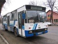 Autobuz cu călători, implicat într-un accident în Vâlcea. 5 răniţi