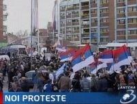 Mii de sârbi s-au adunat la Mitrovica pentru o nouă demonstraţie de protest