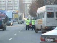 Control la Poliţia Capitalei. Un poliţist a fost prins luând mită