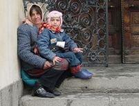 Curtea de Casaţie italiană a decis: cerşetoria face parte din tradiţia culturală a rromilor
