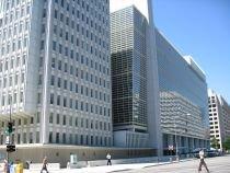 Banca Mondială recomandă României limitarea creşterilor salariale şi îngheţarea angajărilor