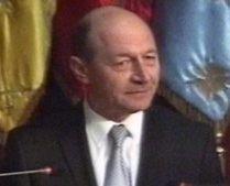Băsescu, la bilanţul Apărării: Situaţia economică va determina mulţi tineri să aleagă o carieră militară