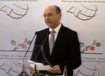 Băsescu participă la Summit-ul Mondial al Procurorilor - un eveniment de 37 miliarde lei vechi (VIDEO)