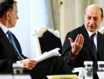 Geoană îl invită pe Băsescu să guste plăcintele macedonene ale soacrei sale (VIDEO)