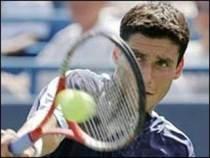 Roland Garros: Victor Hănescu l-a învins pe Mihail Iujnîi şi avansează în turul trei