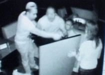 Urmărire ca-n Texas la Moreni, după ce un tânăr a devastat o discotecă (VIDEO)