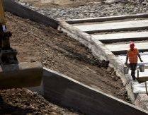 Investiţii puse în cui. Topul proiectelor care ar putea salva economia românească, ignorate de autorităţi