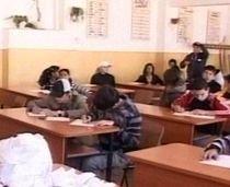 Măsuri drastice la Bacalaureat: Elevii nu au voie cu telefoane mobile nici măcar în curtea şcolii