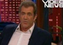 Nu mai suportă bârfele! Mel Gibson face o criză de nervi în biserică