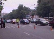 Grav accident rutier în Bucureşti: Bărbat de 50 de ani, lovit chiar pe trecerea de pietoni (VIDEO)