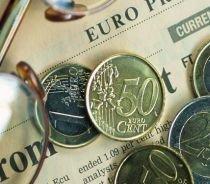 Leul se depreciază uşor în raport cu moneda europeană. Un euro = 4,1928 lei