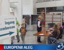 Au început alegerile europarlamentare. Joi votează cetăţenii din Olanda şi Marea Britanie