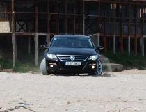 Amenzi usturătoare pentru turiştii care intră cu maşina pe plajă