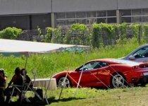 """Autoturisme de lux, într-o tabără de romi din Elveţia. """"Noi nu furăm, nu suntem români"""""""