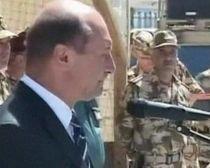 Traian Băsescu a asigurat militarii români din Afganistan că vor primi sporurile restante