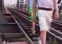 Copilă ucisă de un tren în timp ce făcea fotografii (VIDEO)