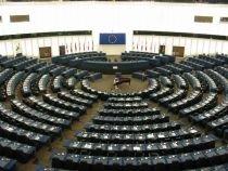 Popularii europeni rămân grupul dominant în PE. Socialiştii fac curte eurodeputaţilor neafiliaţi politic