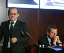 BNR: Dublarea salariilor bugetarilor nu poate fi făcută în mai puţin de şapte ani