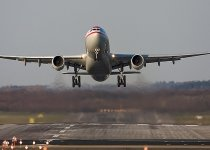 Aterizare de urgenţă a unui Airbus A330 cu 203 persoane la bord, după ce cabina piloţilor a luat foc