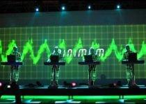 """Kraftwerk, """"părinţii muzicii electronice"""", au încântat publicul din Capitală"""
