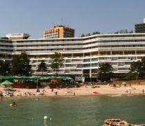 Ministerul Turismului vrea să amendeze hotelierii care nu deschid hotelurile la timp pentru sezon