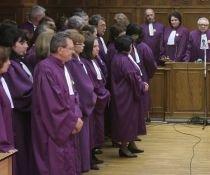 Ministerul Muncii a cerut Justiţiei să coboare cu 30% salariile solicitate pentru magistraţi
