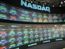 Nasdaq creşte, dar sectorul bancar trage în jos Dow şi S&P 500