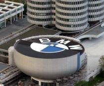 BMW scapă de criză pe seama angajaţilor: Nu vă mai cumpăraţi maşini de alte mărci!