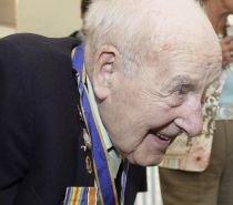 """""""Ţigări, whisky şi femei sălbatice"""", secretul longevităţii celui mai vârstnic om din lume"""