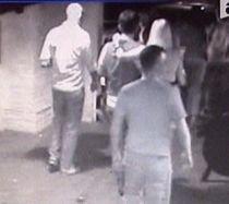 Delia Matache, iubitul ei şi Codin Maticiuc, zis Poponeţ, atacaţi cu cuţite de doi bărbaţi (VIDEO)