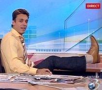 """Lumea lui Mircea Badea. Cu pantofii la vedere: """"Semăn cu Fernando de la Caransebeş"""" (VIDEO)"""