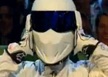 Stig şi-a dezvăluit identitatea: Celebrul pilot al Top Gear este Michael Schumacher (VIDEO)
