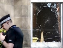 Atacuri în Belfast: Casa unui preot hindus, spartă de grupările rasiste