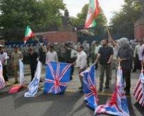 Opt angajaţi ai ambasadei britanice la Teheran au fost arestaţi