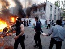 Peste 2.000 de oameni, arestaţi în urma protestelor din Teheran