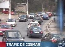 Circulaţie îngreunată pe drumurile care leagă litoralul de Capitală. Vedeţi rutele ocolitoare (VIDEO)