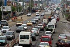 Drumurile care leagă Constanţa de Capitală, la fel de aglomerate şi luni