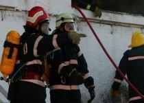 Incendiu de proporţii, în Capitală: Un restaurant şi o terasă, distruse de flăcări (FOTO şi VIDEO)
