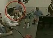 Băsescu, la masă cu interlopii: Şeful statului, filmat în compania unor persoane controversate (VIDEO)