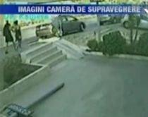 Turcia. Două femei, la un pas de a fi spulberate pe trotuar de un şofer care a scăpat controlul volanului (VIDEO)