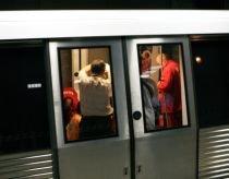Circulaţia metroului a fost blocată între staţiile Eroilor şi Lujerului