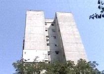 Un alpinist utilitar a murit, după ce a căzut de la etajul opt al unui bloc din Capitală